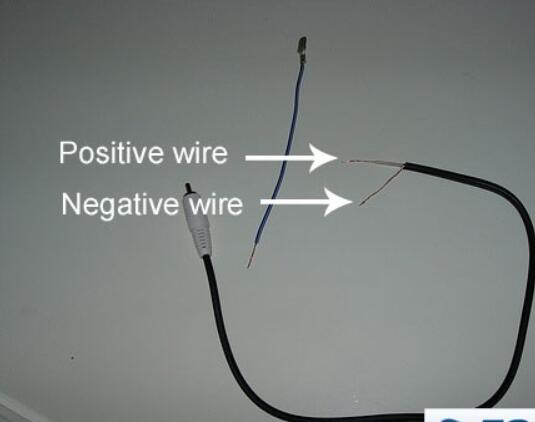 Ford Focus SVT Aftermarket Radio Wiring Connection (1)