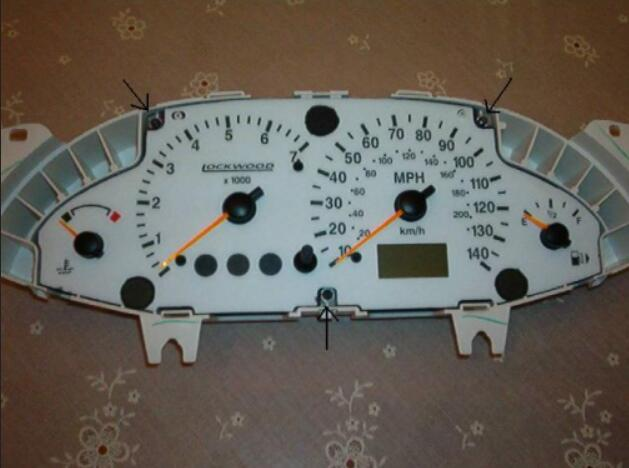 How to Remove Ford Focus Instrument Cluster (8)