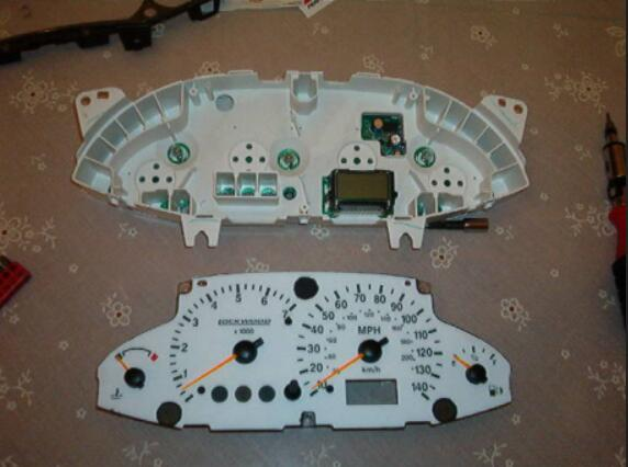 How to Remove Ford Focus Instrument Cluster (9)