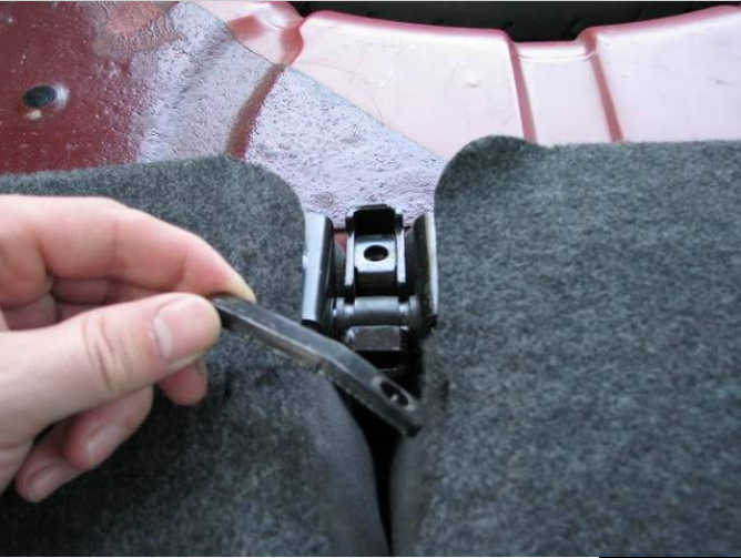 How to Remove Ford Focus Rear Seats (12)