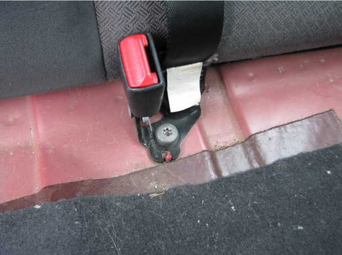 How to Remove Ford Focus Rear Seats (5)