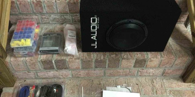 Ford F150 2015 Subwoofer Amplifier Retrofits (1)