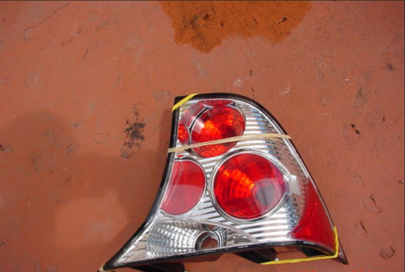 Ford Focus Resealing & Waterproofing Clear Tail Lights (4)