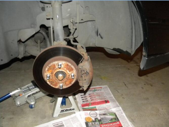 how to paint front calipers and drums for Ford Focus (1)