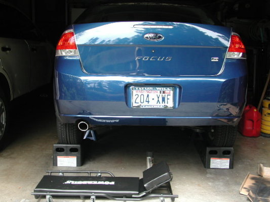 Ford Focus 2008 Lunchbox Exhaust Resonator Removal (1)