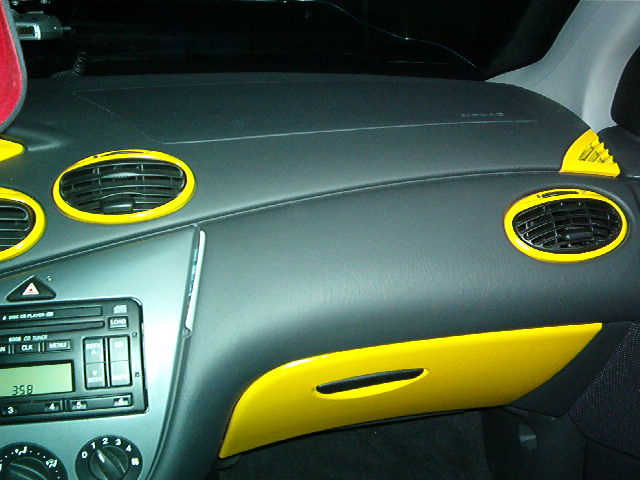 Ford Focus Dashboard Interior Paint DIY Work (2)