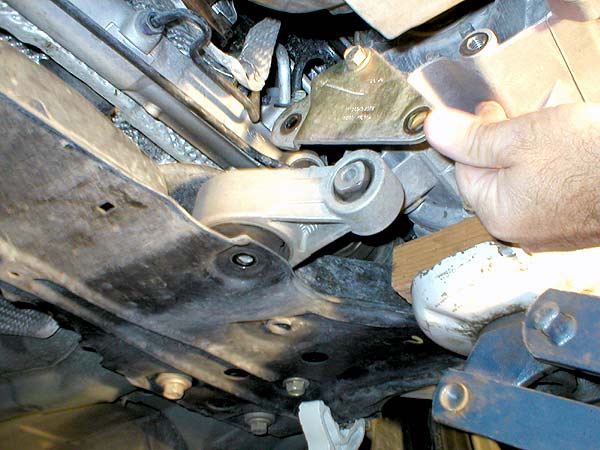 How to Install Ford Focus VF Engine Rear Mount (2)